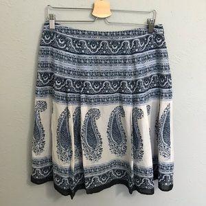 Jones NY blue paisley skirt size 10
